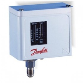 "PRESOSTATO ""DANFOSS"". REARME: MANUAL. ALTA 1/4"" SAE. ESCALA EN BAR: REGUL. 8 A 32. DIFER. FIJO 3."