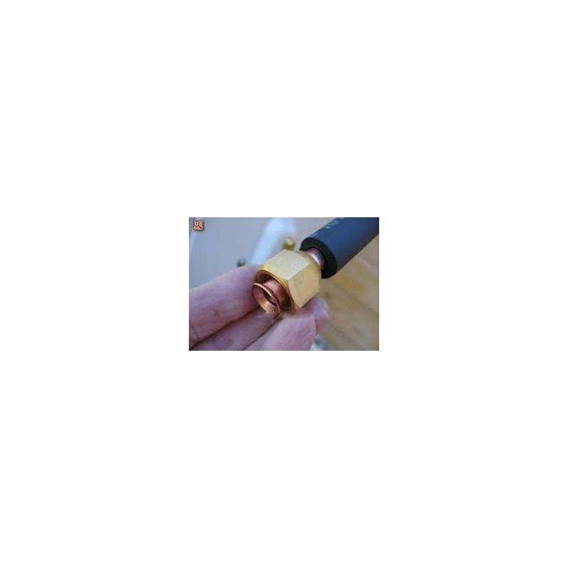 """Rollo tubería de cobre aislado de 5 metros 1/4"""" x 5/8"""" con tuercas montadas"""